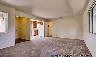 Living Room, 1007 Boranda Ave, 1
