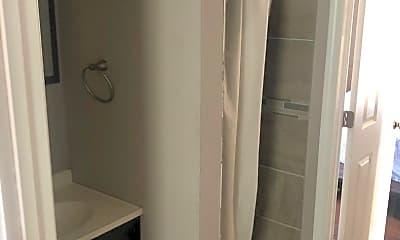 Bathroom, 812 Stoughton St, 1