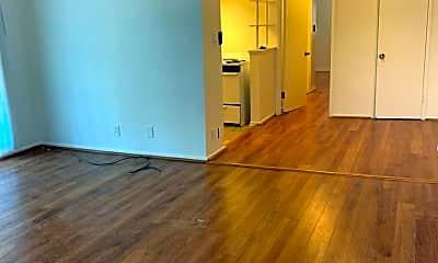 Living Room, 4004 Palmwood Dr, 0