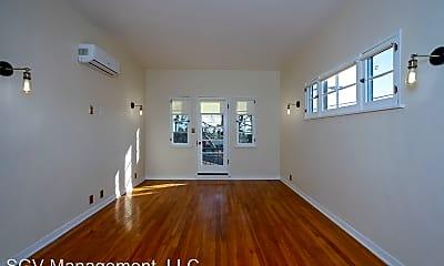 Living Room, 1365 N Mentor Ave, 1