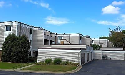 Sagamore Condominiums, 2