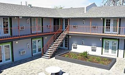 Courtyard, 2201 Roosevelt Apartments, 2