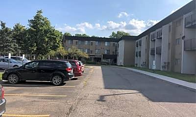 Madison Manor, 2