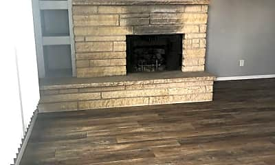 Living Room, 1420 Oakland Rd NE, 1