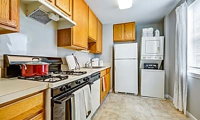 Kitchen, Howard Crossing Apartment Homes, 1