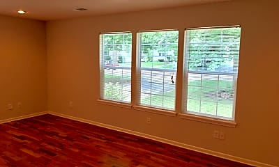 Living Room, 4413 S Parkway Dr, 1