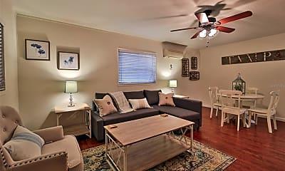 Living Room, 2514 W Kansas Ave B, 1
