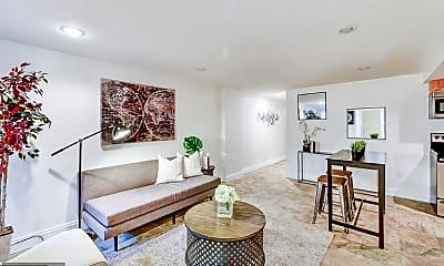 Living Room, 31 T St NW 2, 1
