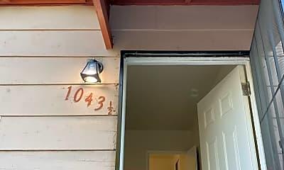 1043 1/2 W 111th St, 1
