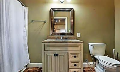 Bathroom, 137 Carondelet St 401, 2