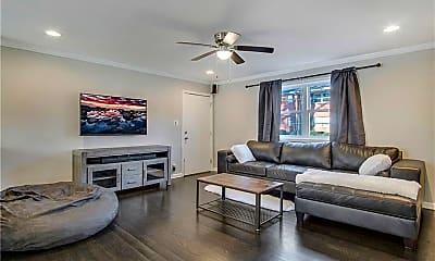 Living Room, 3660 Peachtree Rd NE 3, 0
