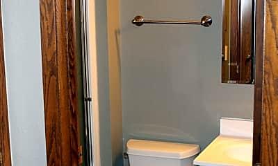 Bathroom, 901 8th Ave N, 2