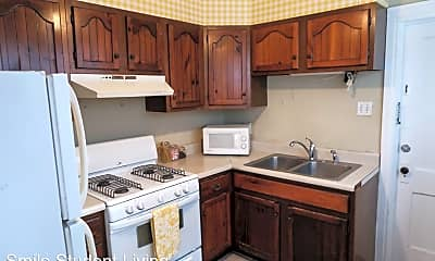 Kitchen, 602 S Lincoln Ave, 1
