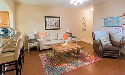 Living Room, 3316 General Pkwy, 1