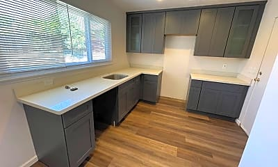 Kitchen, 604 Jilliene Way, 2
