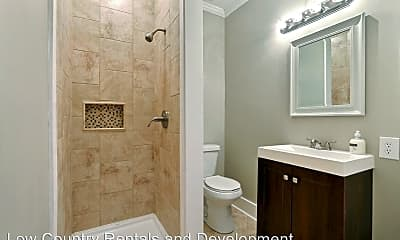 Bathroom, 1301 E 32nd St, 1
