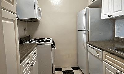 Kitchen, 25 Franklin Blvd, 2