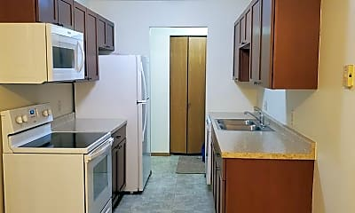 Kitchen, 2643 Arrowhead Rd S, 1