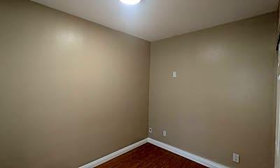 Bedroom, 706 Vassar St, 1