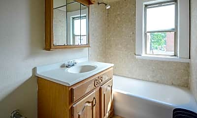Bathroom, The Edge on Clifton/Drake/Fry/Overlook, 2