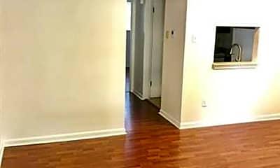 Living Room, 2500 Vivian St 2, 1