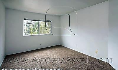 Living Room, 718 San Benito Ln, 2