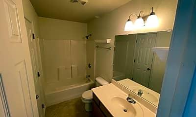 Bathroom, 1633 High Quest Cir, 2