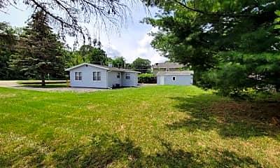 Building, 526 E Shorewood Rd, 1