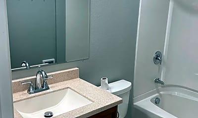 Bathroom, 817 25th St SE, 0