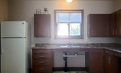 Kitchen, 518 4th St SW, 1