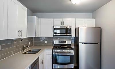 Kitchen, 400 E 48th St, 0