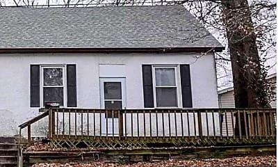 Building, 517 Mascoutah Ave, 1