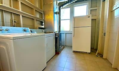 Kitchen, 613 Clayton St, 2