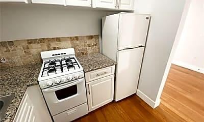 Kitchen, 125 Edgewater Dr, 1