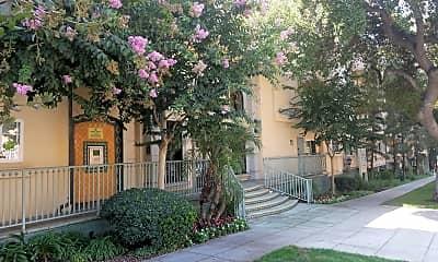 Olive Plaza Apartments, 2