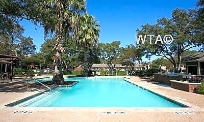 Pool, 3101 Shoreline Dr, 1