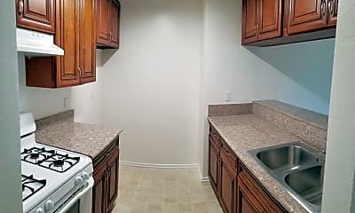 Kitchen, 1586 Yosemite Dr, 0