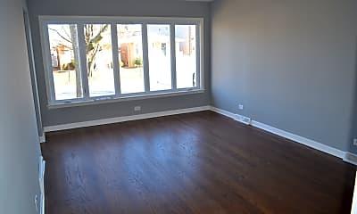 Living Room, 5918 S Melvina Ave, 1