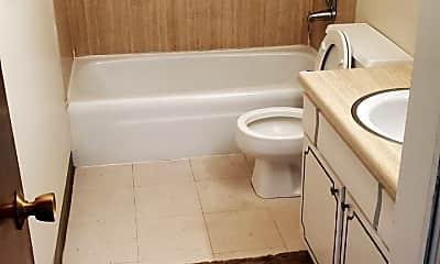 Bathroom, 905 5th St, 0