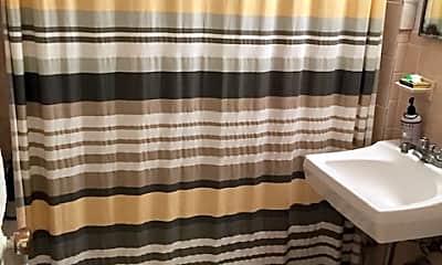 Bathroom, 14 Keswick St, 2