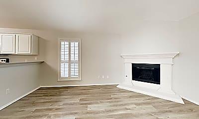 Living Room, 4703 Topaz Ln, 1