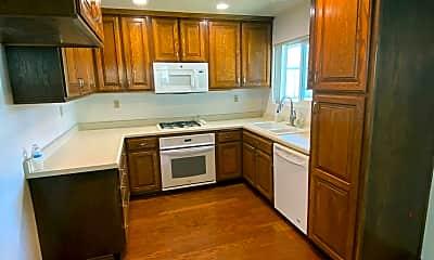 Kitchen, 618 E La Veta Ave, 1