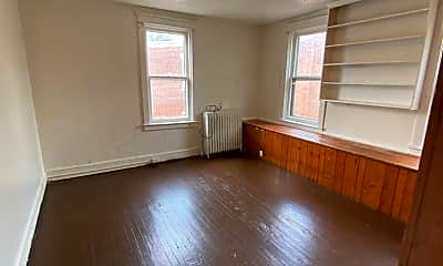 Living Room, 601 Manor St, 2