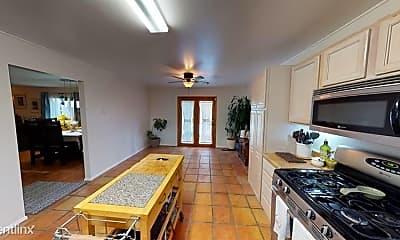 Living Room, 13000 Turquoise Ave NE, 1