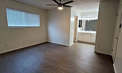 Living Room, 1409 Superior Ave, 2