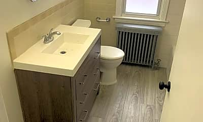Bathroom, 2345 Ridgeland Ave 1, 2