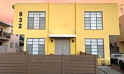 Building, 632 N Manhattan Pl, 0