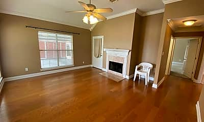 Living Room, 106 Pebble Beach Dr, 1