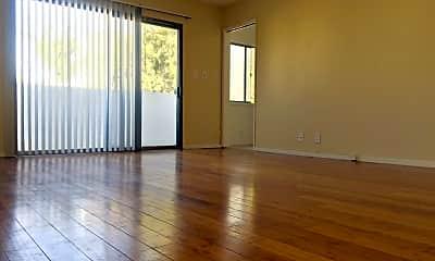 Living Room, 933 Wilcox Ave, 1