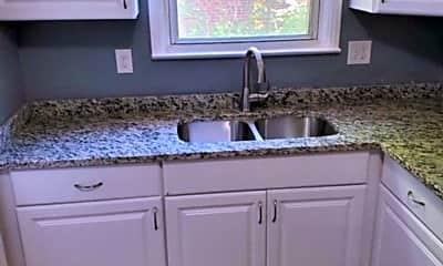 Kitchen, 157 E Iroquois Rd, 1